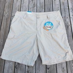 NWT Columbia cargo shorts size 14